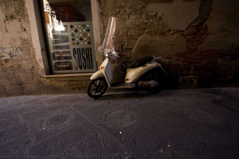 Scooter-in-Pisa-Italy