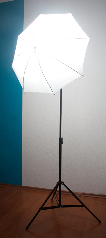 Lightstand with Umbrella and Flash