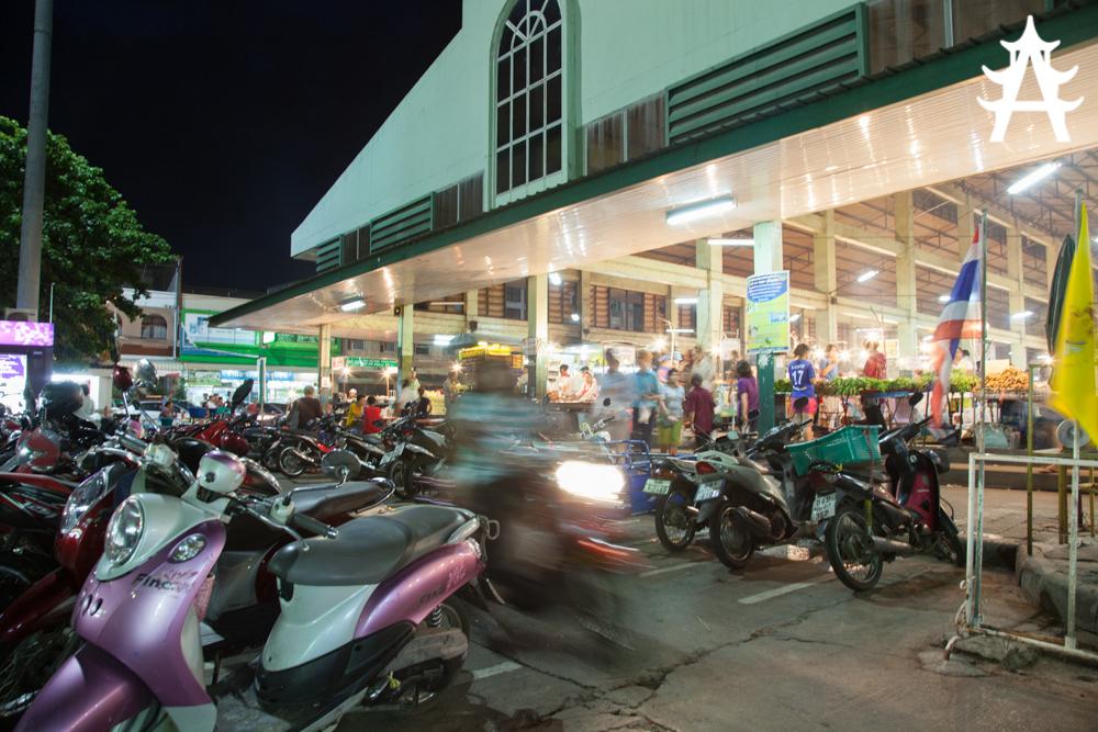 A stroll through Roi Ets fresh market
